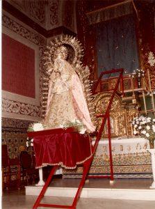 1985-traslado-al-altar-mayor-primer-traslado-2