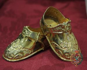 zapatos oro