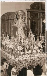 1958. 11 de mayo. entrega a cardenal bueno monreal de pergamino de hermano mayor honorario VII