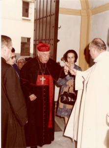 1984. función principal. Imposición primera medalla de oro de la hermandad