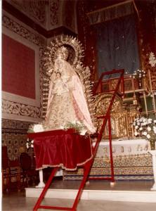 1985. Traslado al Altar Mayor. Primer Traslado (2)