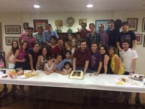 cumpleaños grupo joven